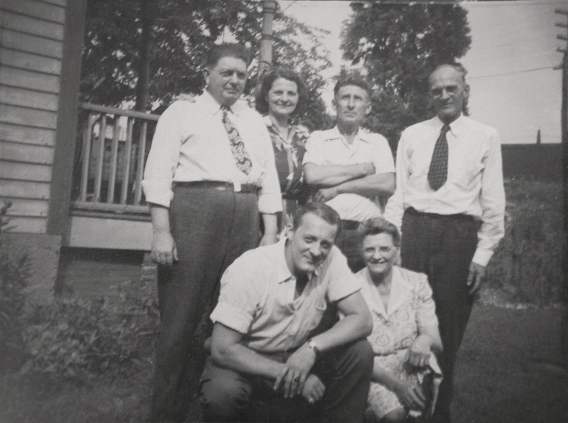 1945 Murosky Family Gathering